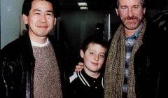 Yu_Suzuki_with_Steven_Spielberg_0